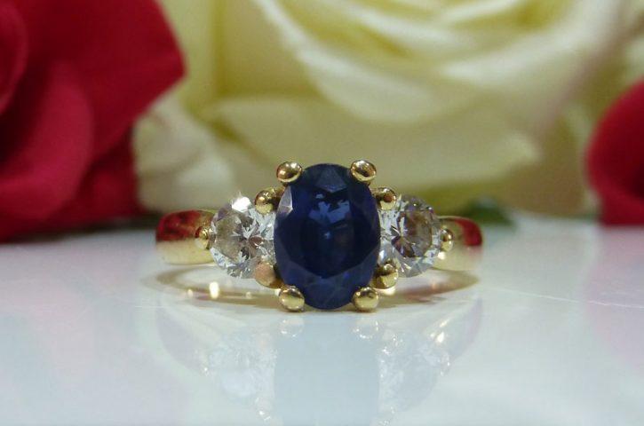 Motive pentru care sa oferi cadou bijuterii cu safir si diamant